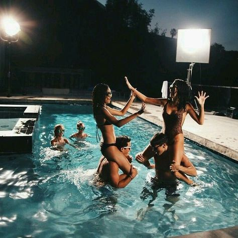 Photo of Super Party Friends Night Pictures Summer Ideas