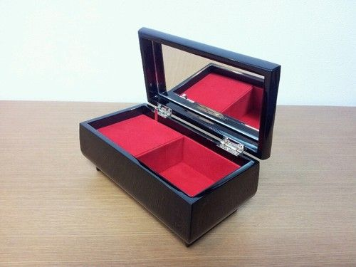 JAPAN EBAY BEST STORE FOR MUSIC BOXES.BEST QUALITY.PERFECT GIFT.MADE IN JAPAN.TOP SELLER.RELAX MUSIC.    @eBay! http://r.ebay.com/wceXKk
