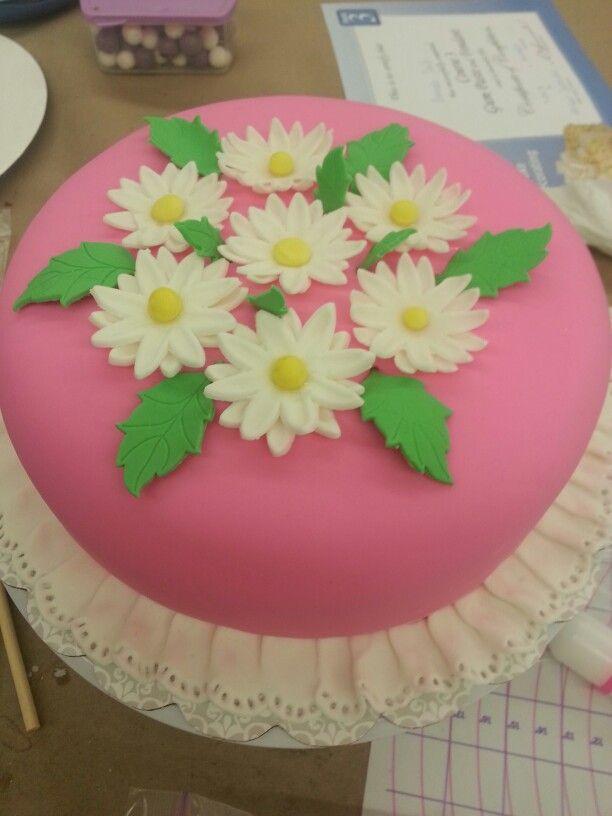 Wilton Cake Decorating Tips Fondant : Fondant Cake # 1 Wilton Cake Decorating Pinterest