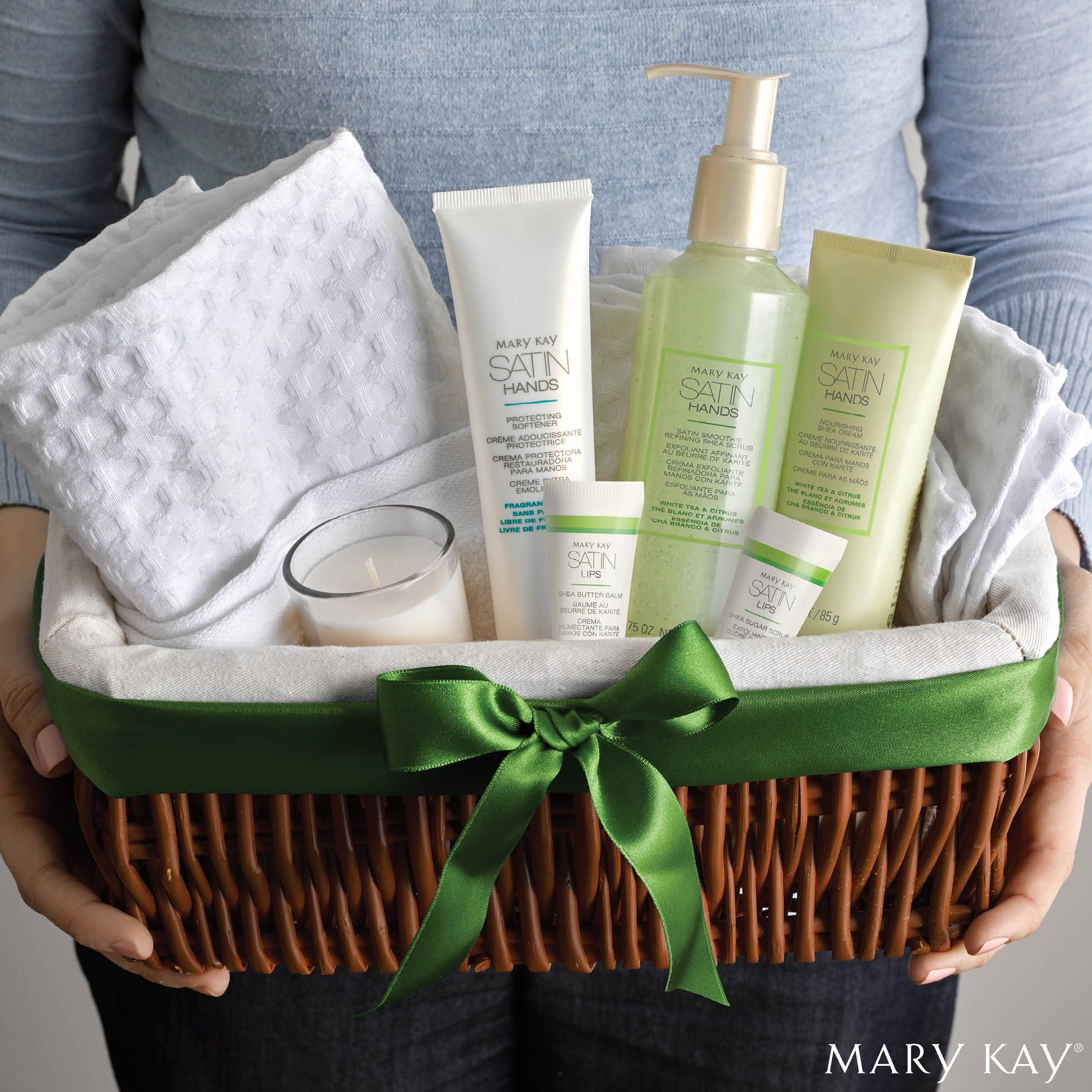 Give the gift of soft and supple hands this holiday season