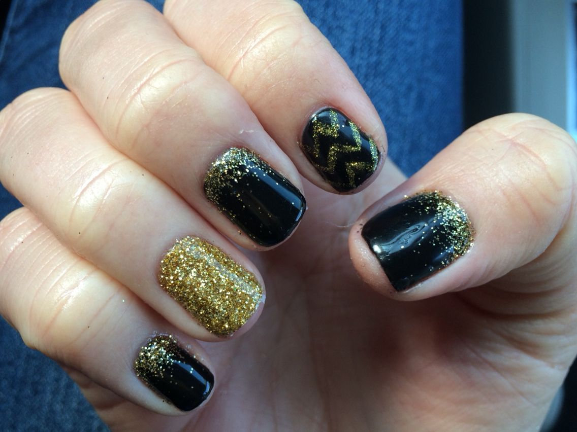 New Years nails! Gold glitter, black, and chevron stripes! | My Nail ...
