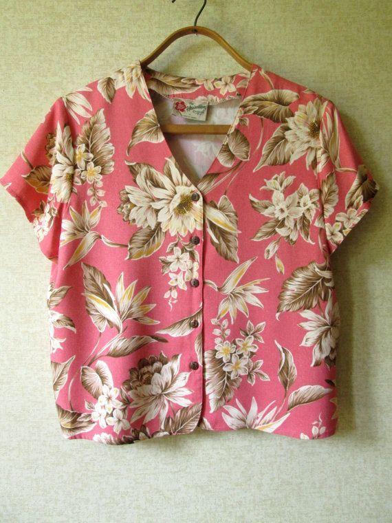 65fc37db94f24 Hawaiian Blouse tropical shirt short cropped top coral pink floral print  short sleeves vintage 80s 90s women medium Hilo Hatties