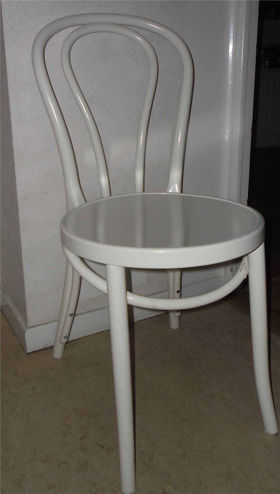 Annons på Tradera: 4 st vita retro stolar öglan IKEA
