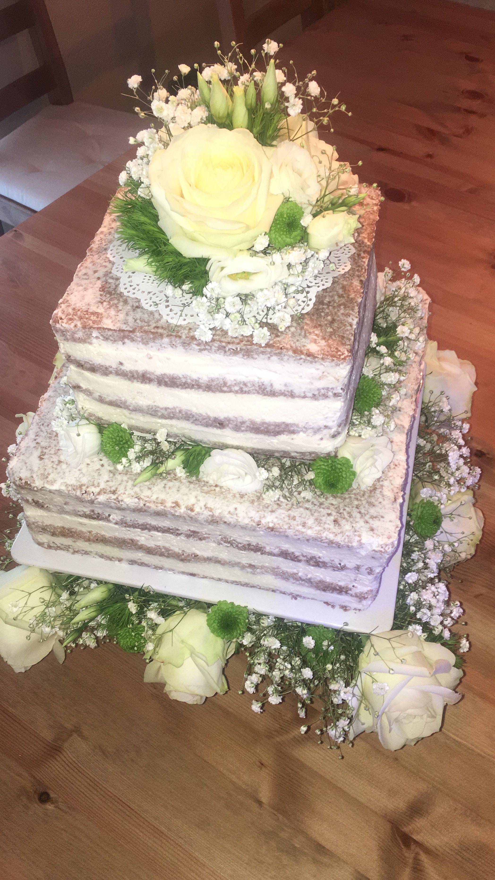 Hochzeitstorte Naked Cake Grun Weiss Blumen Selbstgemachte Torten