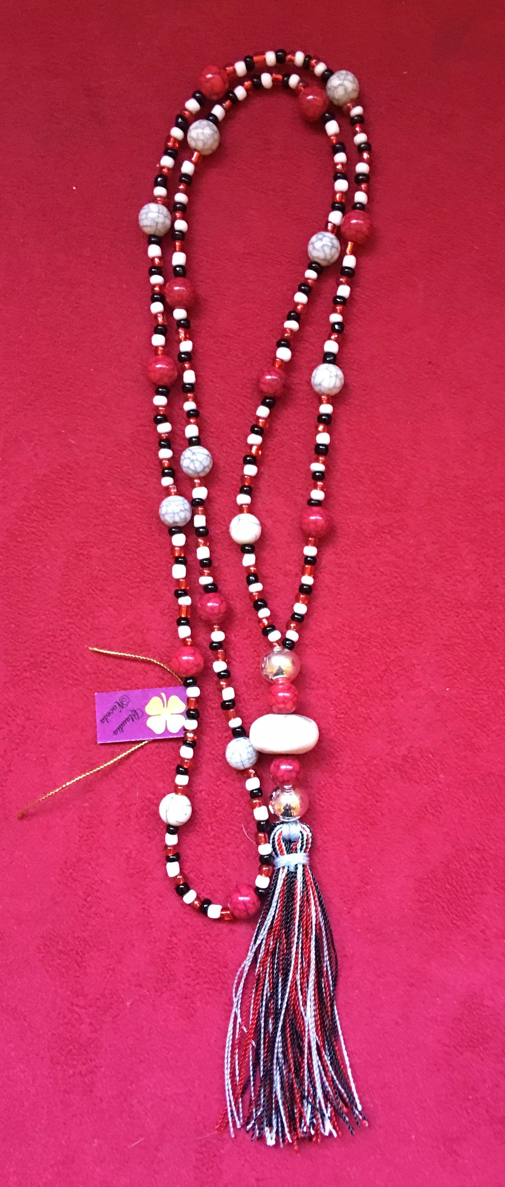 b7601f9db633 Collar de Chaquiron negro blanco y rojo con piedra 🖤❤ 🍀