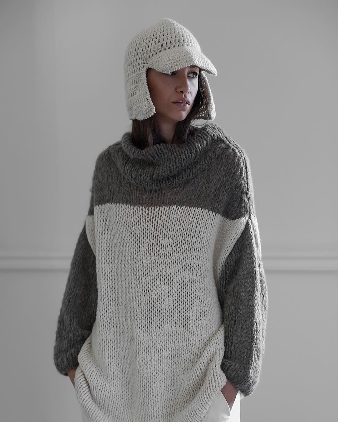 LOOK 13 | IRU AW2016 / 17 COLLECTION  MIRADA #handknitted SWEATER CALMA #crochet VISOR CAP  #lookbook #aw16 #autumn #winter #knitwear #contemporary #fashion #press #buyers #store #naturalfibers #values #diseñoargentino #showroom #hechoamano #otoño #invierno #maydíaz  ph. @emmalivingphoto  m. @natipetri  m.up @soleolveiramakeup