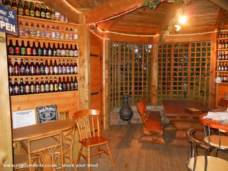 Pub X2f Entertainment From A Garden In Shrewsbury Owned By John Henry Plumridge Shedoftheyear Pub Sheds Shed Of The Year Outdoor Rooms