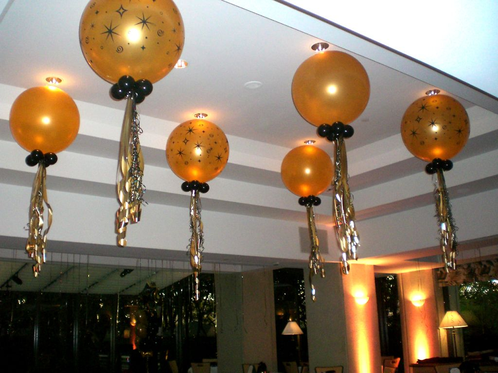 9 incredibly awesome ways to add balloons to an indian wedding decor 9 incredibly awesome ways to add balloons to an indian wedding decor junglespirit Gallery