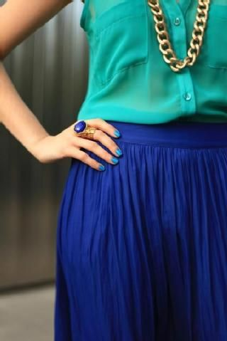 Who knew teal and navy would look so great together