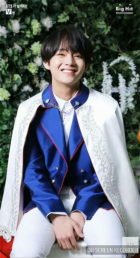 Taehyung prince outfit uniform