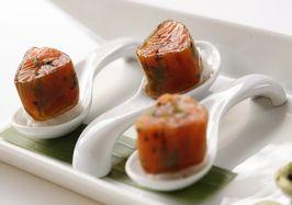 Soy canneloni with salmon, coriander and sesame tartar - Molecular Gastronomy recipe
