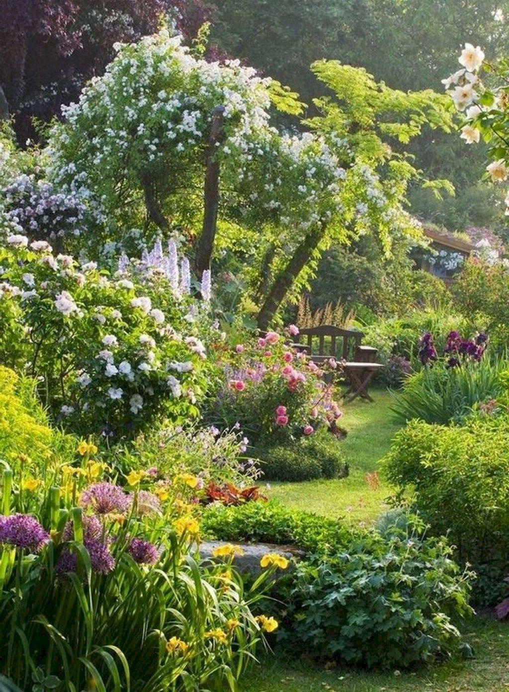 90 Beautiful Small Cottage Garden Ideas for Backyard Inspiration #smallgardenideas