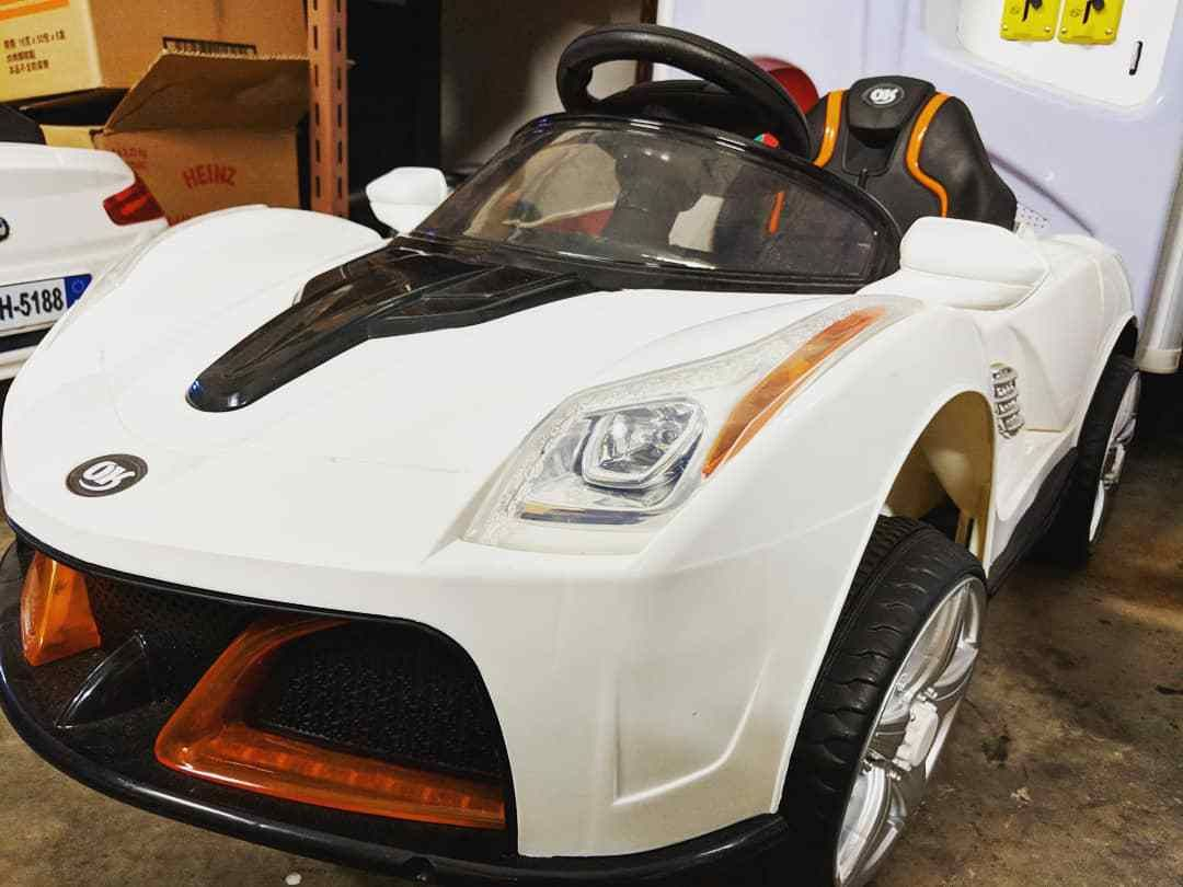 Battery Operated Electric Car Rental for Kids Electric