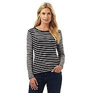 This top from The Collection is a stylish update to a casual wardrobe. Perfect for teaming with denim, this off-duty staple is made from pure cotton and finished in navy with a scoop neck and a nautical-inspired striped pattern.