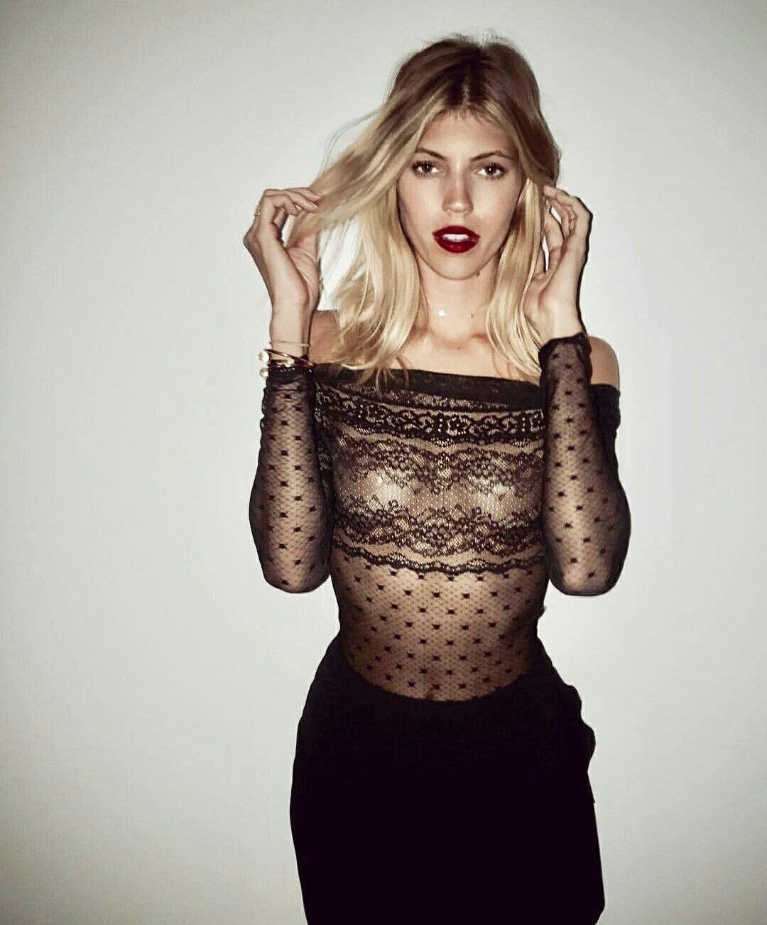 Devon Windsor | Victoria secret fashion show, Devon