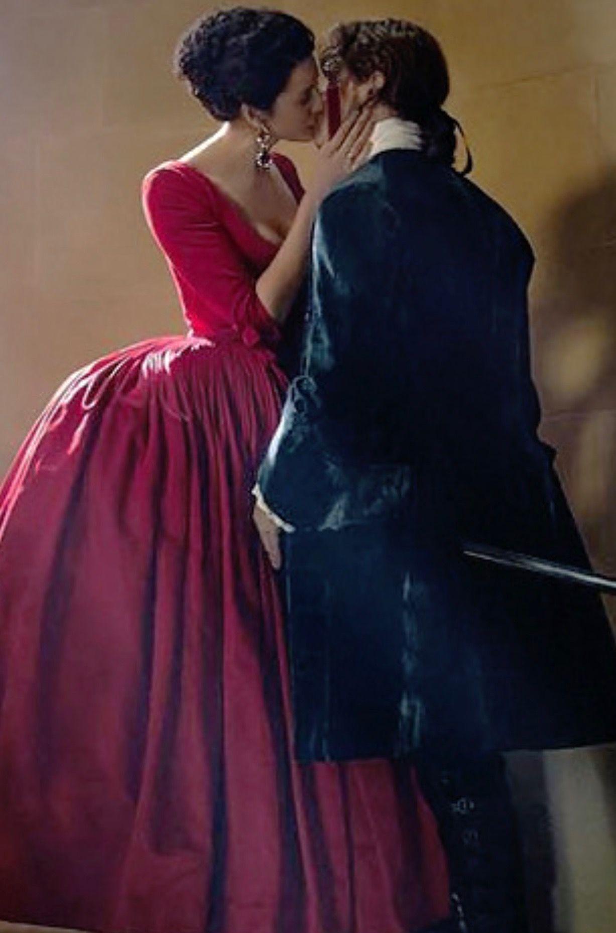 Season 2 Episode 2 Outlander Reddress Outlander Scotland Outlander Claire Outlander Costumes Outlander