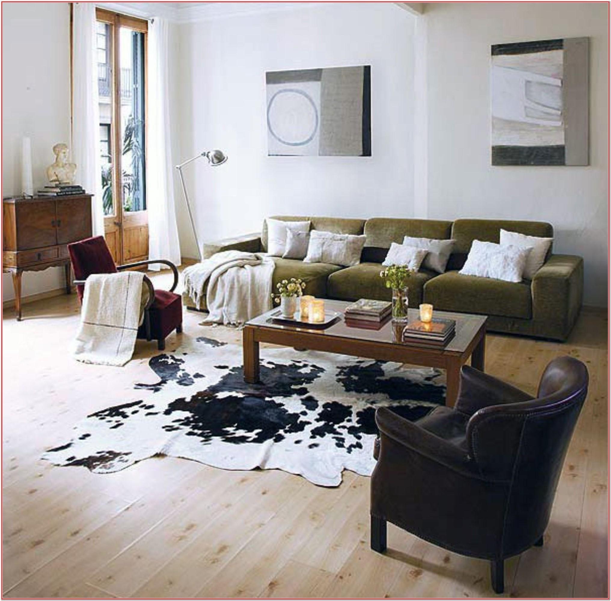 Dark Cowhide Rug Living Room Ideas By Kenneth Woods Di 2020