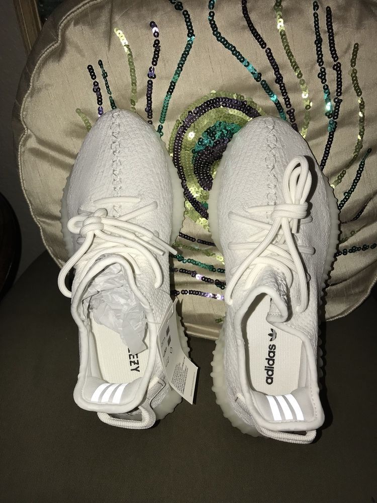 Yeezy Boost 350 V2 Triple White Size 6 In Mens Fits Size 7 In