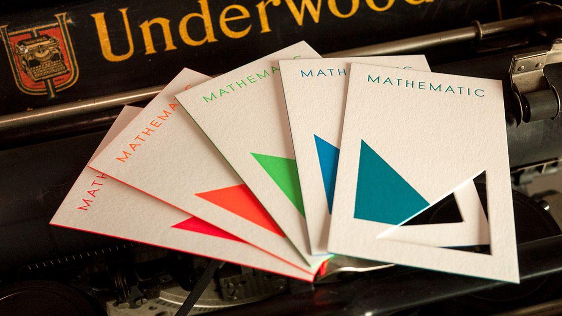 Carte De Visite Multicolor Avec Decoupe Et Tranche Colore