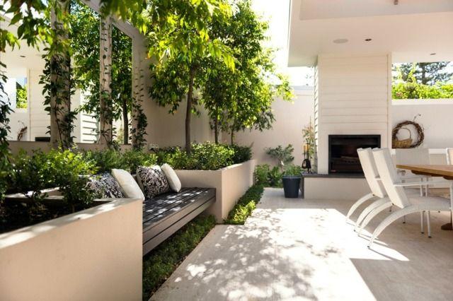sitzbank polsterkissen garten bäume kamin essplatz | terrace