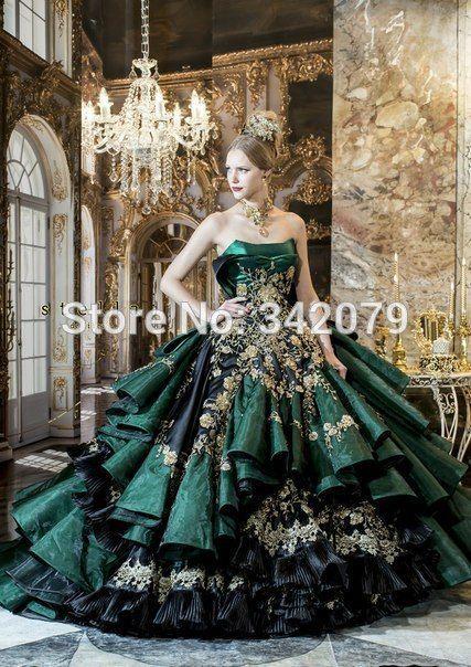 45f5bc10308 Stella de Libero green gown