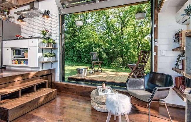 Une mini-maison de luxe avec terrasse © New Frontier Tiny Homes