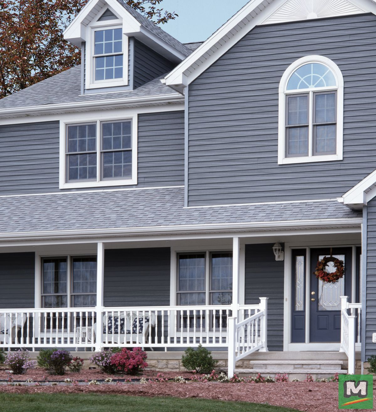 Cedar Creek Dutchlap Vinyl Siding Is Textured With A Weathered Woodgrain That Is Built To Withstand The Elements This Vinyl Siding House Exterior Curb Appeal
