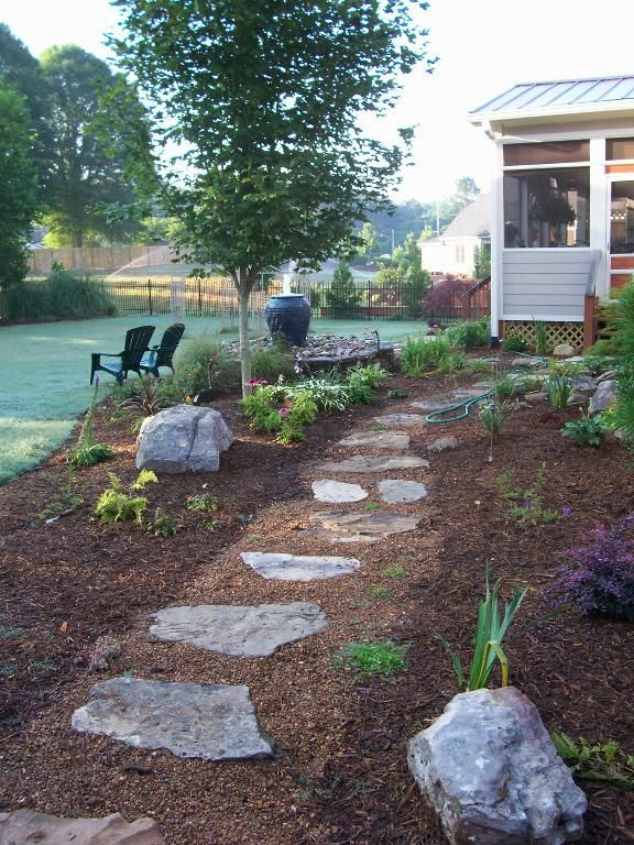 Fieldstone Stepping Stones Set In Pea Gravel Outdoor