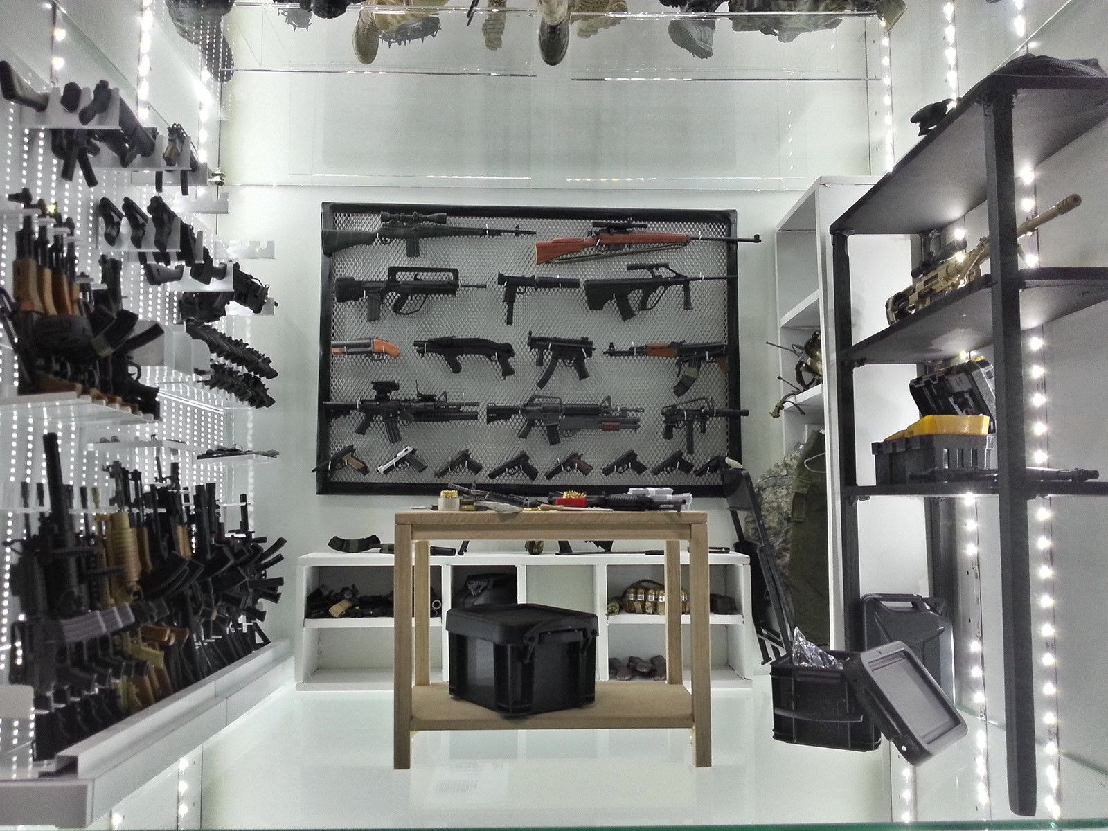A 1 16 scale gun room gun rooms pinterest guns for How to build a gun safe room