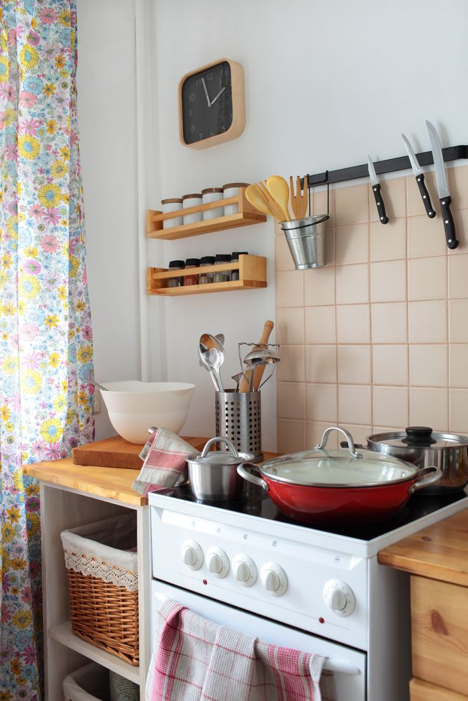 Nail the Drying Rack to the Wall Space saving kitchen, Kitchens