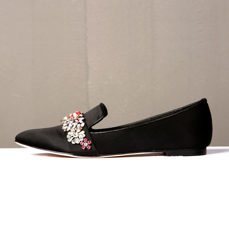 153.37$  Watch now - Bling Beautiful Crystal decorated flower elegant flat high quality silk square toe black Loafers for woman in Spring/Autumn  #magazineonlinebeautiful