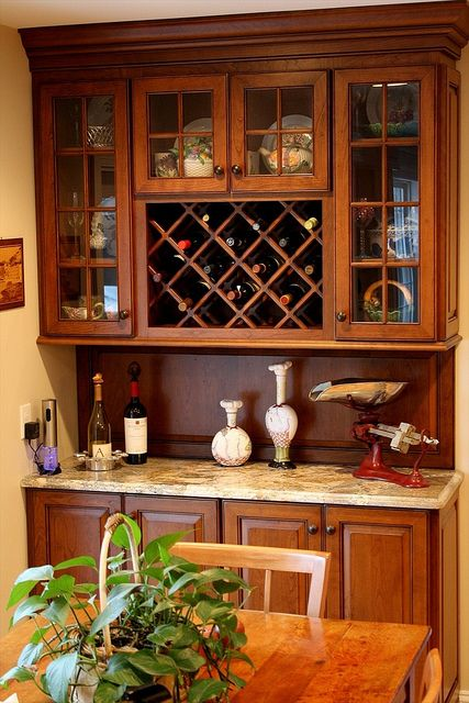 Sienna bordeaux granite dry bars bar and kitchens for Closet dry bar ideas