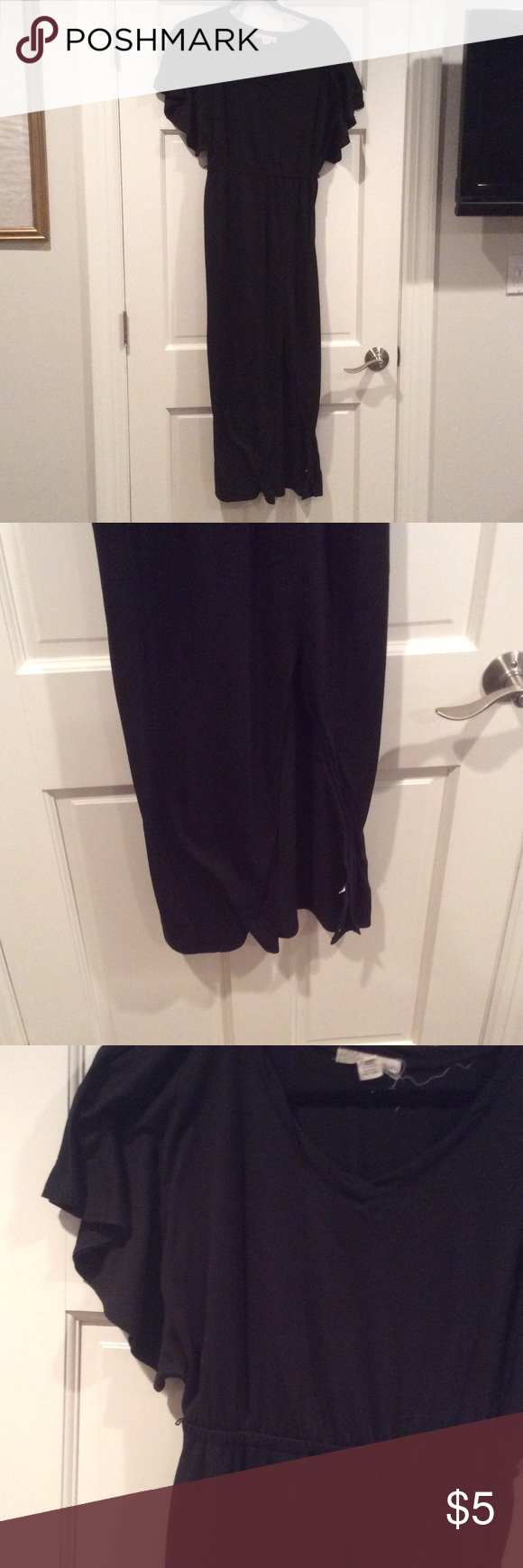 Maxi dress Black maxi dress with flutter sleeves. Slit is shown on the left leg of the dress. In good condition. No stains, rips or tears. Great item to bundle to make the shipping worthwhile! Derek Heart Dresses Maxi