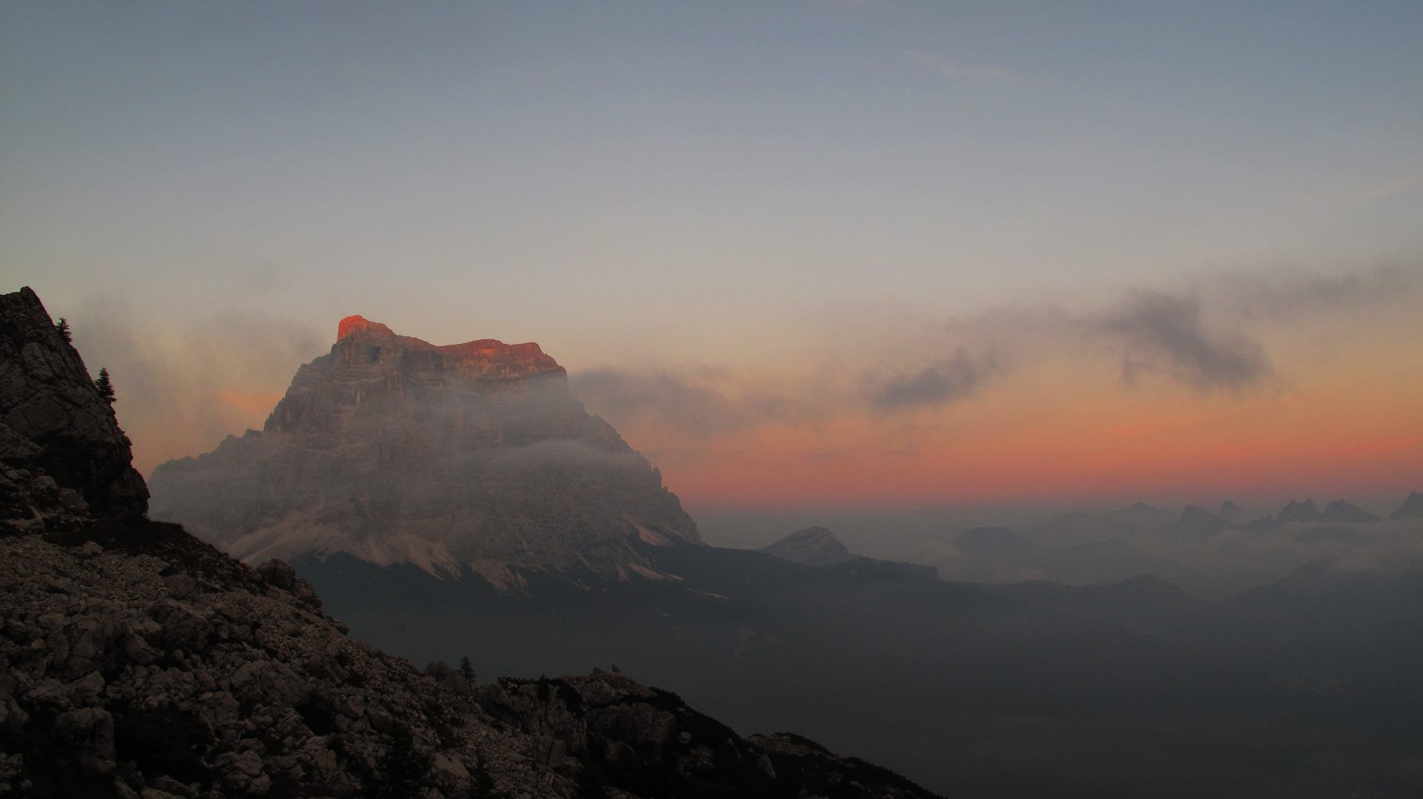 Rifugio Coldai  #italy #dolomiti #hiking #climbing #passion #adventure #sunset #sunsetlovers