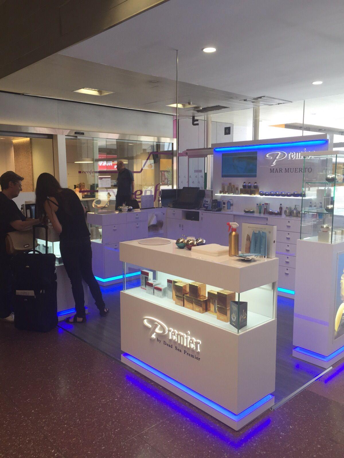 Stand Premier Cosmeticos En La Estacion De Chamartin De Madrid