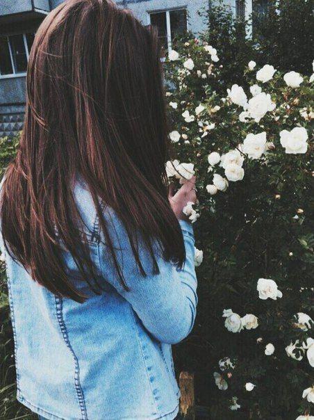 Картинки девушек со спины брюнетки осенью 1