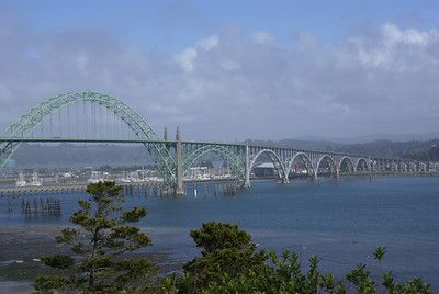 http://cascoly.hubpages.com/hub/What-to-do-in-Newport-Oregon