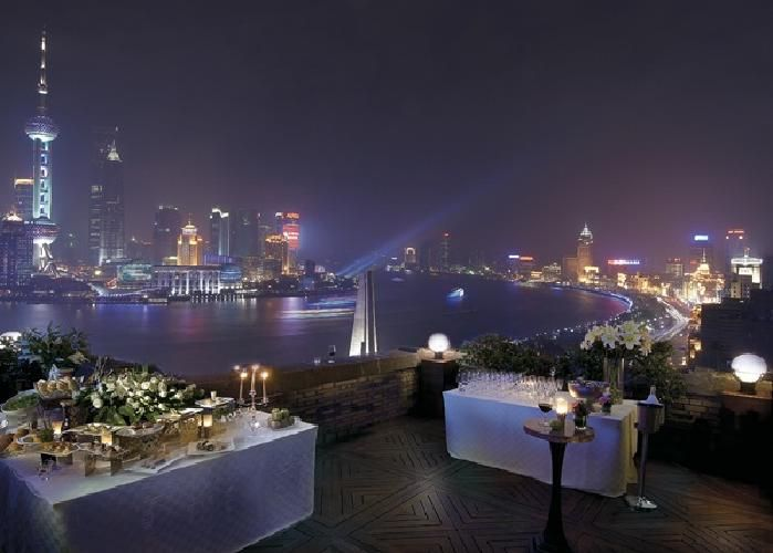 Broadway Mansions Hotel 5* - Shanghai (Cina)  https://www.facebook.com/photo.php?fbid=513596528674923=a.513596502008259.125480.444566825577894=3
