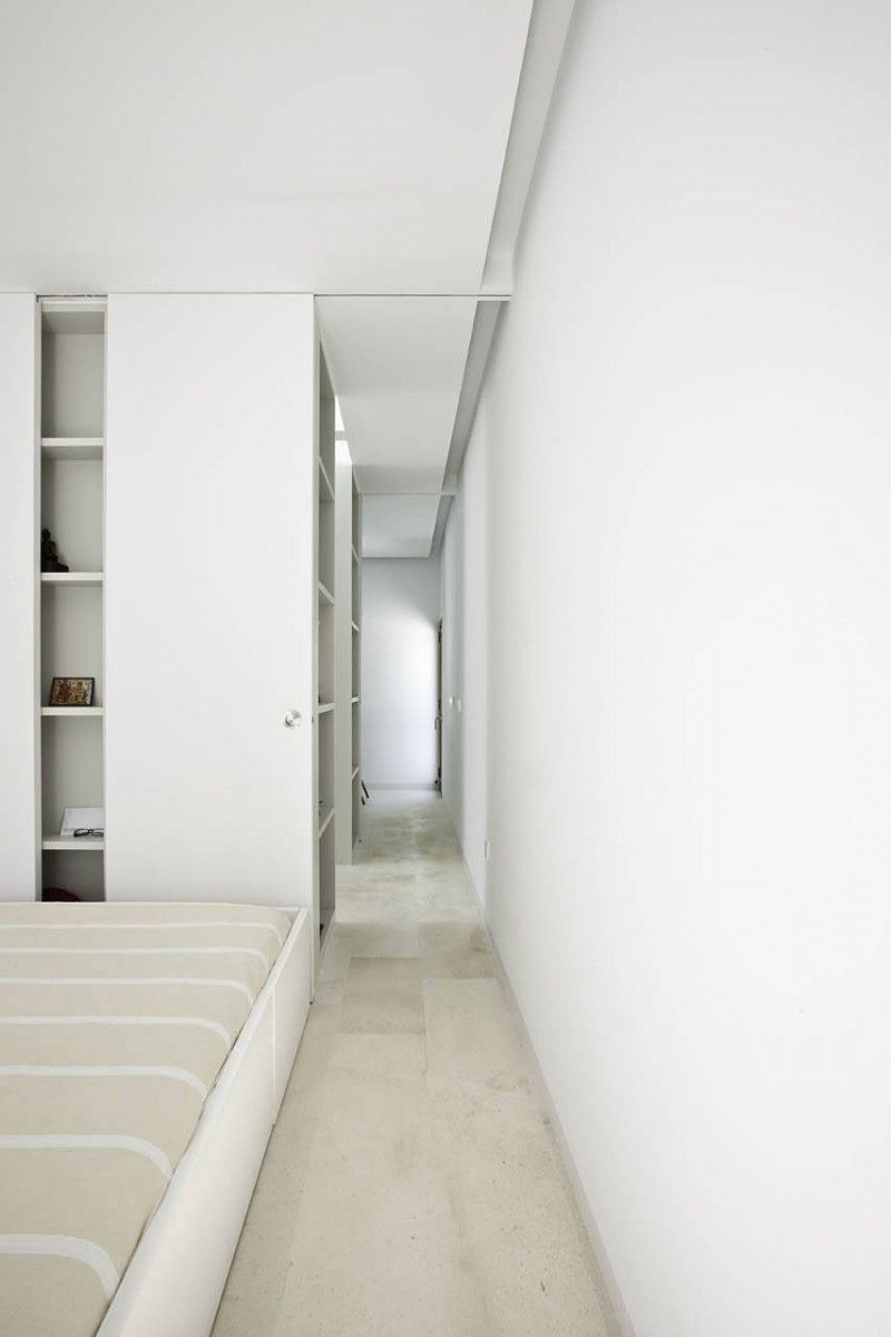 Stunning Contemporary White Home Design Ideas: Soothing White ...