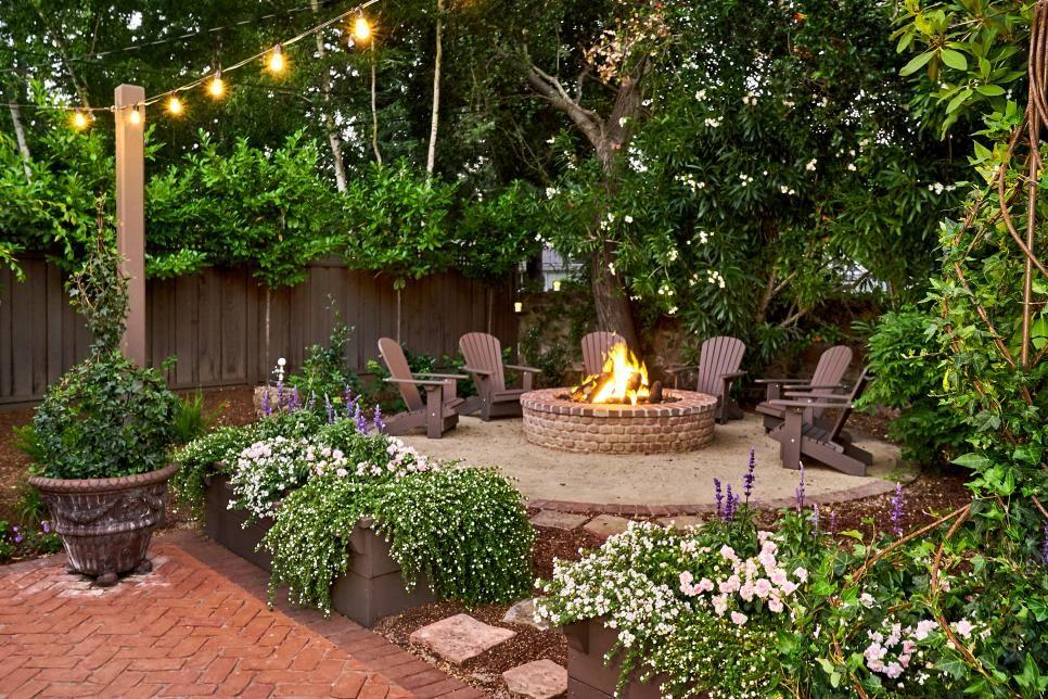 Fairy-Tale Backyard Designed for Entertaining #backyardremodel