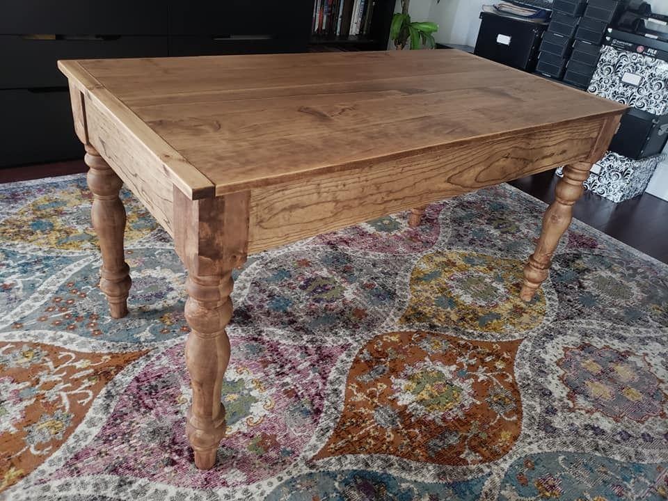 Farmhouse writing desk with turned legs ana white
