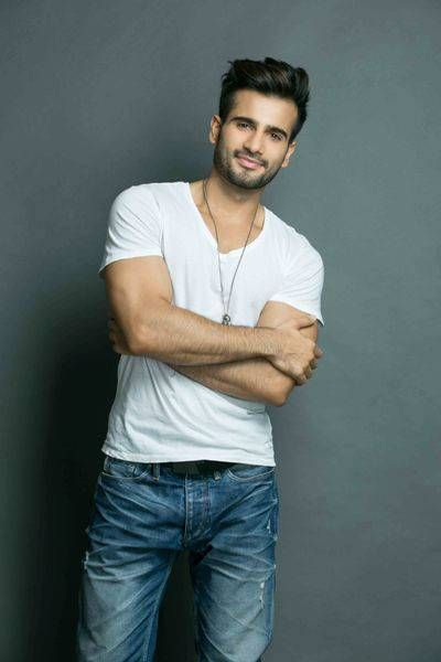 7 Times Karan Tacker Proved That He Is The Hottest Tv Star Tv Stars Tv Actors Bollywood Actors