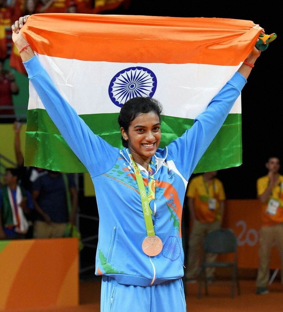 Rio2016 : P V Sindhu poses with her silver medal at 2016 Summer #Olympics at Rio de Janeiro in #Brazil. | Rio olympics, Olympics, Badminton