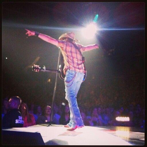 Jason Aldean in Evansville, IN 4/25/13