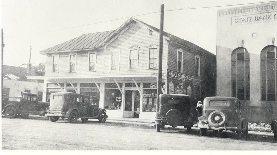 Schott S Supermarket And The State Bank Of Fraser In 1939 At The Corner Of 14 Mile Utica Rd In Fraser Detroit History Pure Michigan Michigan