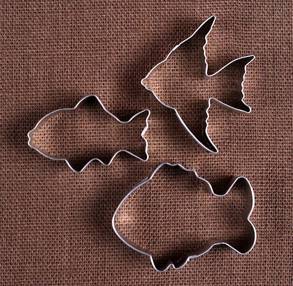 Fish cookie cutters set sugar cookies sprinkles and fish for Fish shaped cookie cutters
