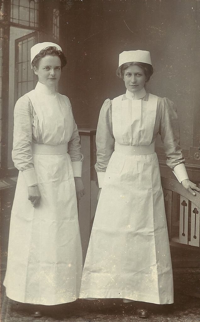 Two Unidentified Probationer Nurses,Shirley Warren Infirmary Southampton  1913