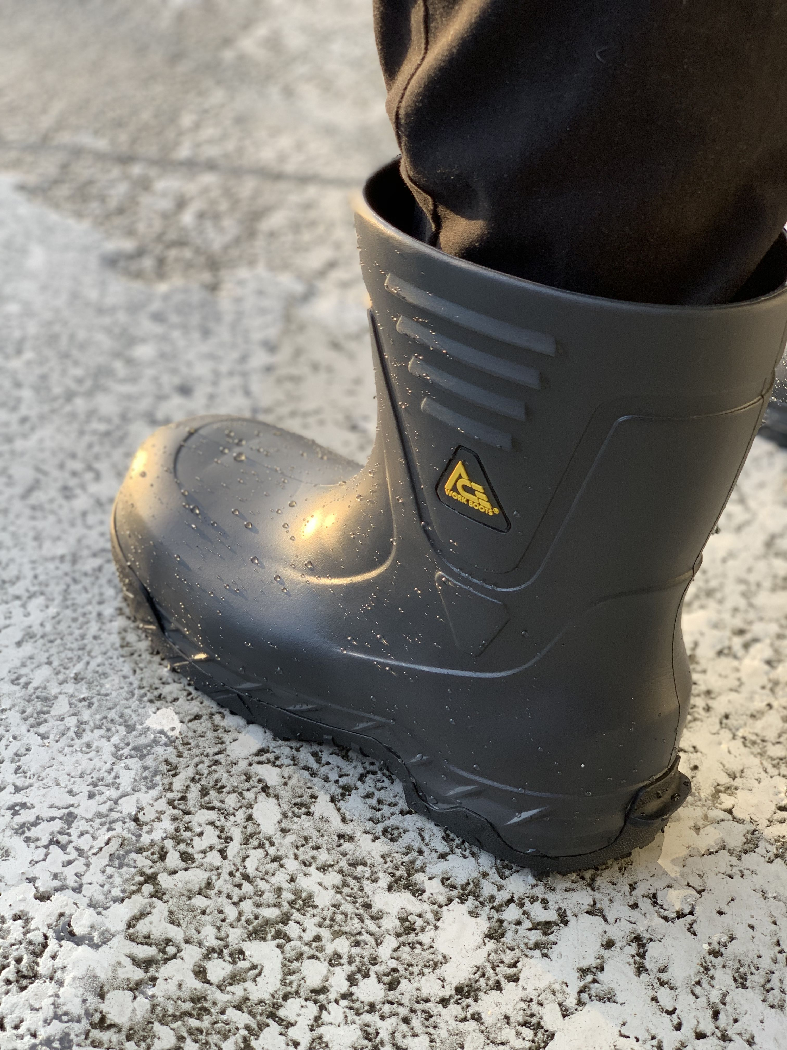"75832a9f62f4 The Bullfrog Pro II will let you handle any tough job with ease. This 10""  slip-resistant soft toe work boot is water-resistant and has a gel insole  for the ..."