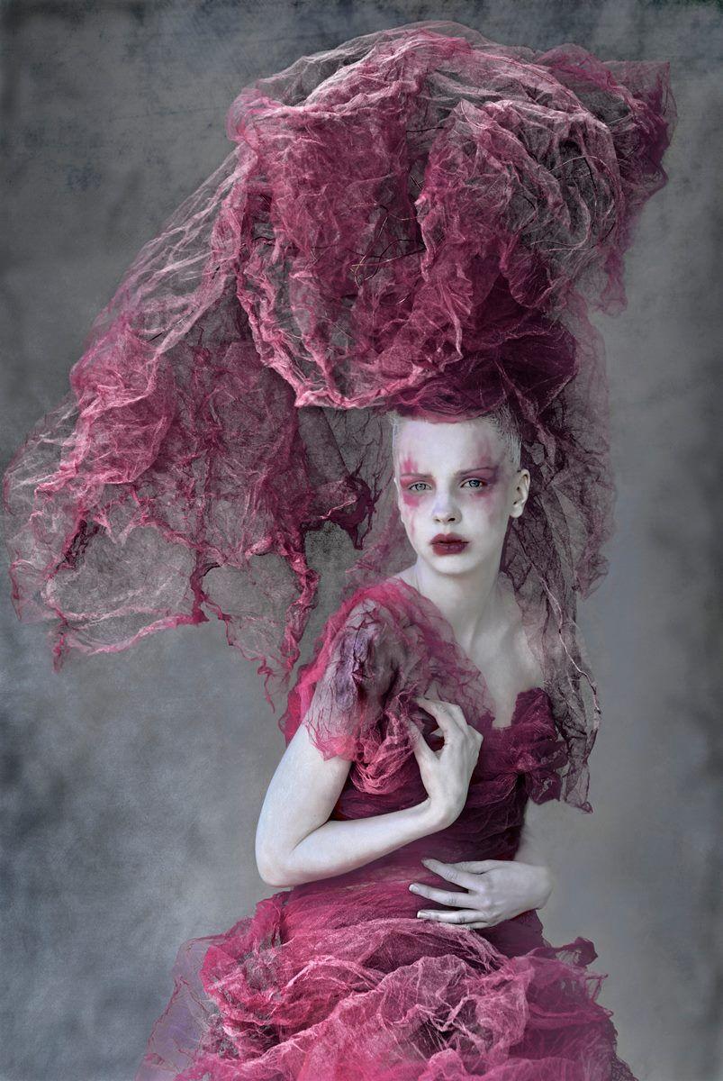 Reina Púrpura... dark beauty magazine