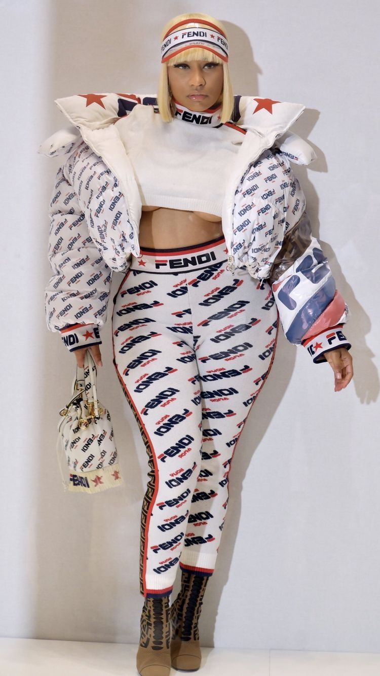 minaj nicki body rap outfits barbie visit alfit singers female cd swift taylor
